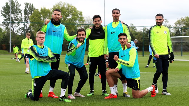 AND THE WINNERS ARE : Today's mini-tournament victors with Zinchenko winning the top pose award