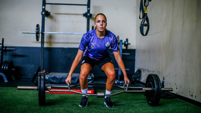 ARM DAY : Safe hands from Ellie Roebuck, as always