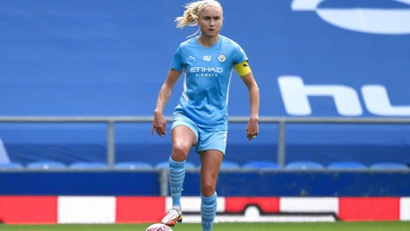 Houghton withdraws from England squad through injury