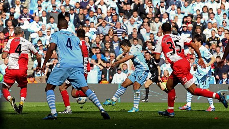 City v QPR 2012: Aguerooooo! Slow-motion replay....