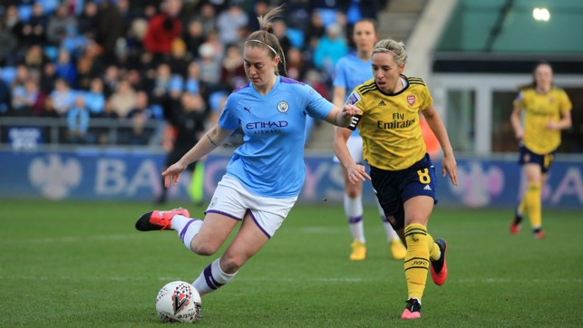 SPREAD THE PLAY : Keira Walsh looks to escape the attentions of Jordan Nobbs