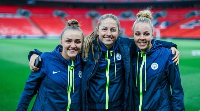 TOGETHER : Georgia Stanway, Janine Beckie and Ellie Roebuck