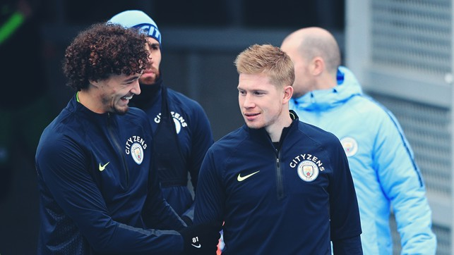 CALL OF DUTY : Philippe Sandler and Kevin De Bruyne prepare for training