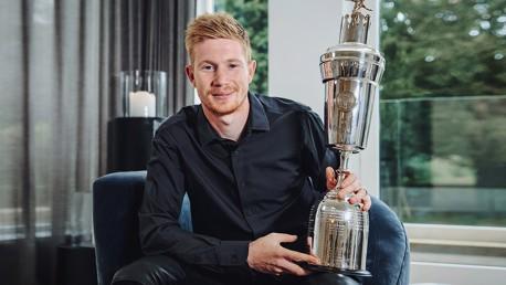 KDB, primer jugador masculino del City en ganar el premio al Jugador del Año de la PFA