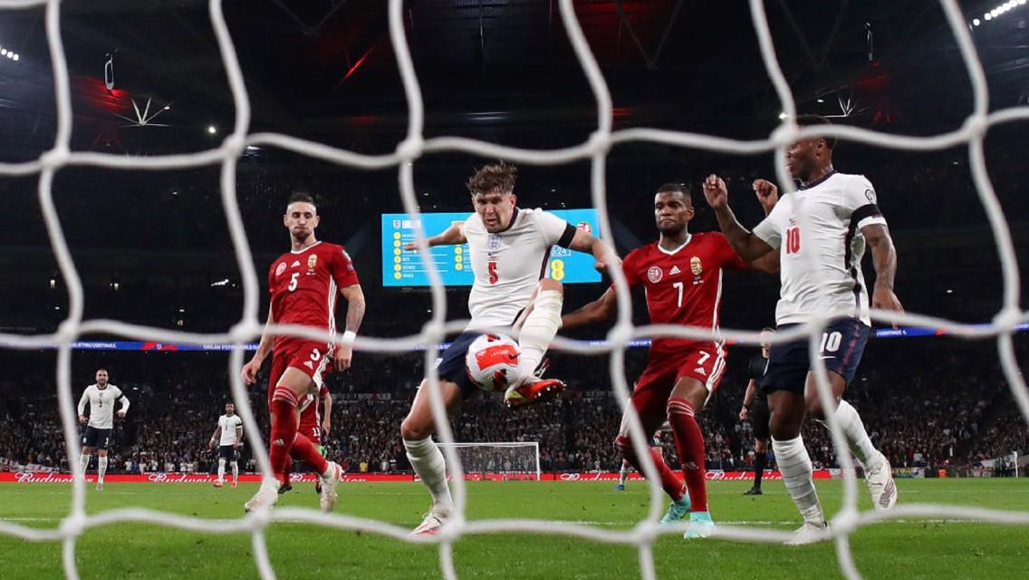 إنجلترا تكتفي بالتعادل في ليلة تاريخية لنجوم السيتي