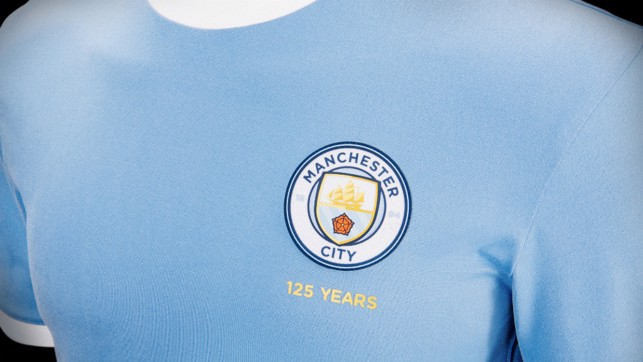 CITY 125 : 68% of fans chose the 125 years anniversary crest in full colour. 58% of fans then voted for the crest to be positioned on the left chest.
