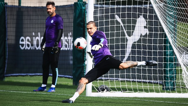 THIS IS HOW WE DO IT : Ederson shows off one of those sliced half volleys he does so well