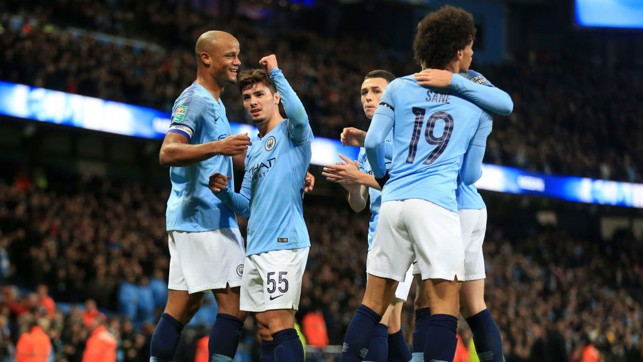 FIST PUMP : The squad celebrate with Brahim!