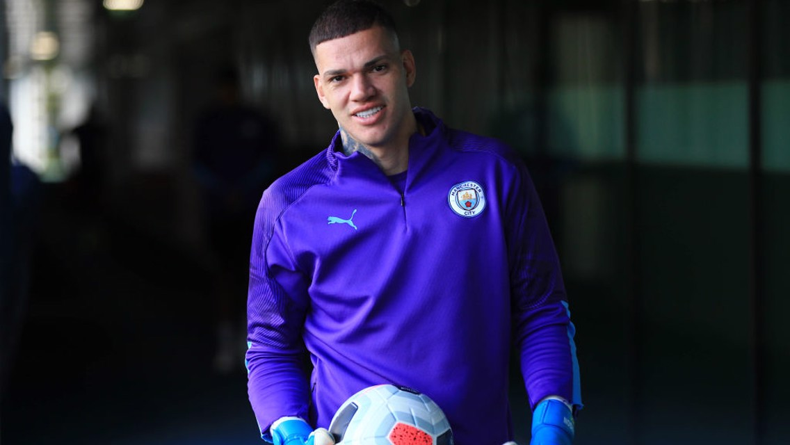 TRICK SHOT! Ederson with the skills