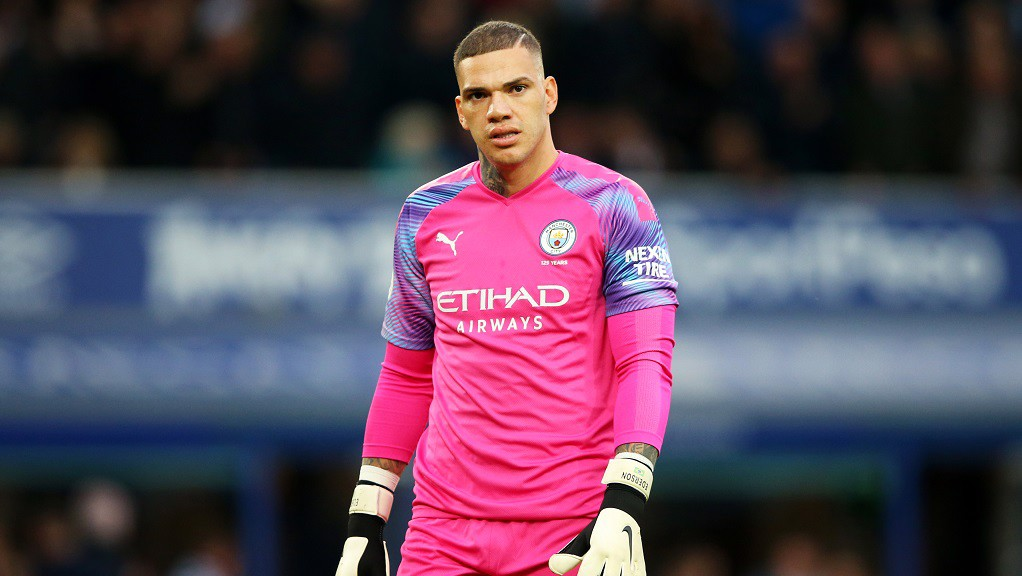 BACK IN BLUE : Ederson returns