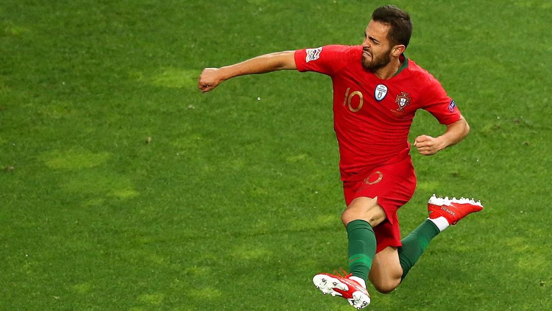 Bernardo brilha na goleada de Portugal