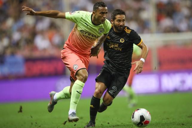 BATTLE : Danilo out strengths Moutinho