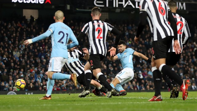 HAT-TRICK #11 : Sergio calls the Toon against Newcastle
