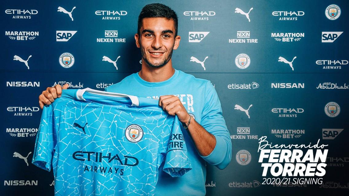 City signe Ferran Torres