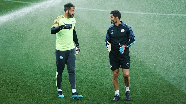 GLOVE STORY : Goalkeeper Scott Carson and goalkeeping coach Xabier Mancisidor talk through Tuesday's training session