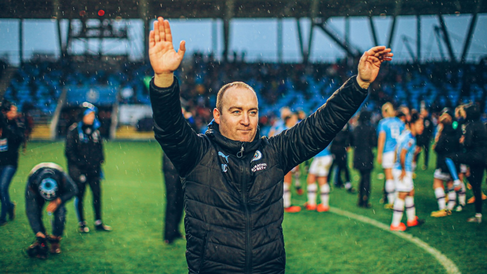 FAREWELL: Nick Cushing waves to the fans