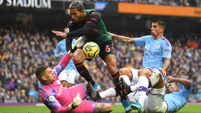 ACTION CANCEL-OED : Joao Cancelo produces a crucial last-ditch challenge to deny Douglas Luiz
