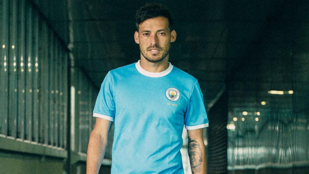 Los jugadores del Manchester City lucirán la equipación conmemorativa ante el Liverpool en la Community Shield el próximo domingo.