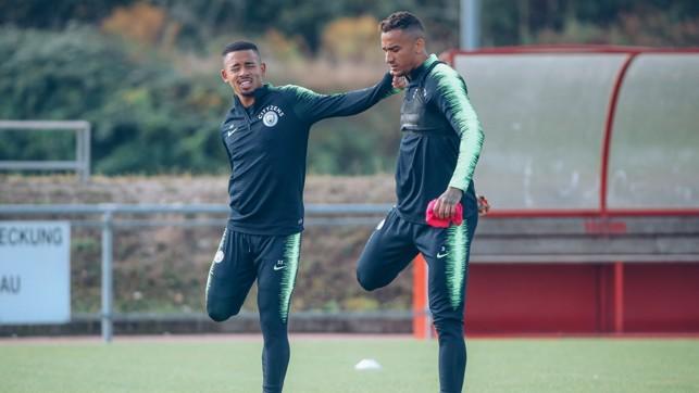 QUAD GOALS : Gabriel Jesus and Danilo stretch the legs