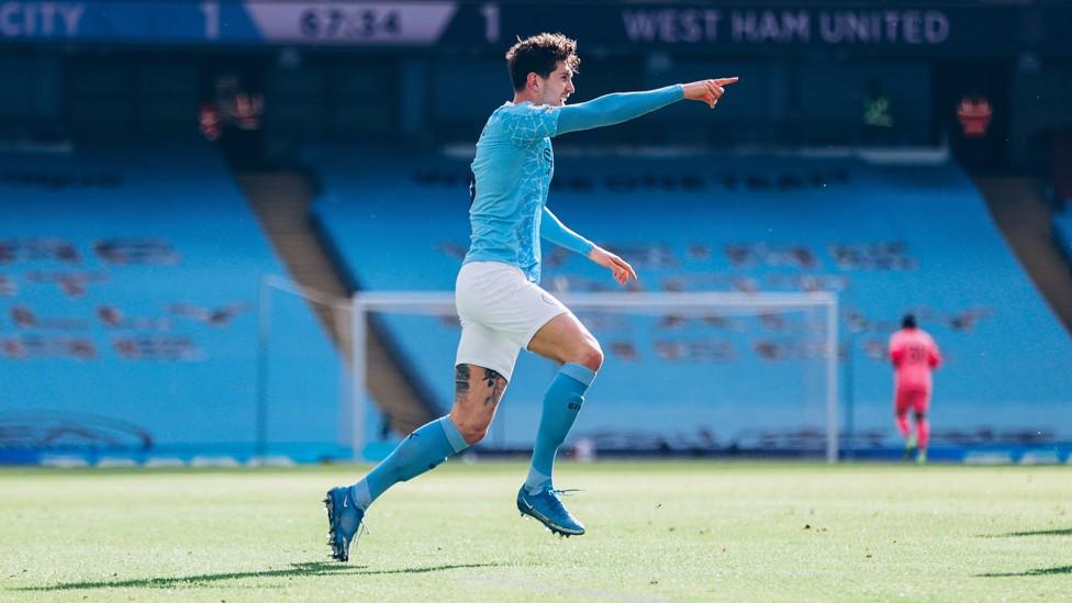 PENAMPILAN MANIS: Stones meraih kemenangan melawan West Ham saat City meraih 20 kemenangan berturut-turut.