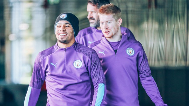 HATS THE WAY TO DO IT : Kevin De Bruyne shares a friendly word with Gabriel Jesus