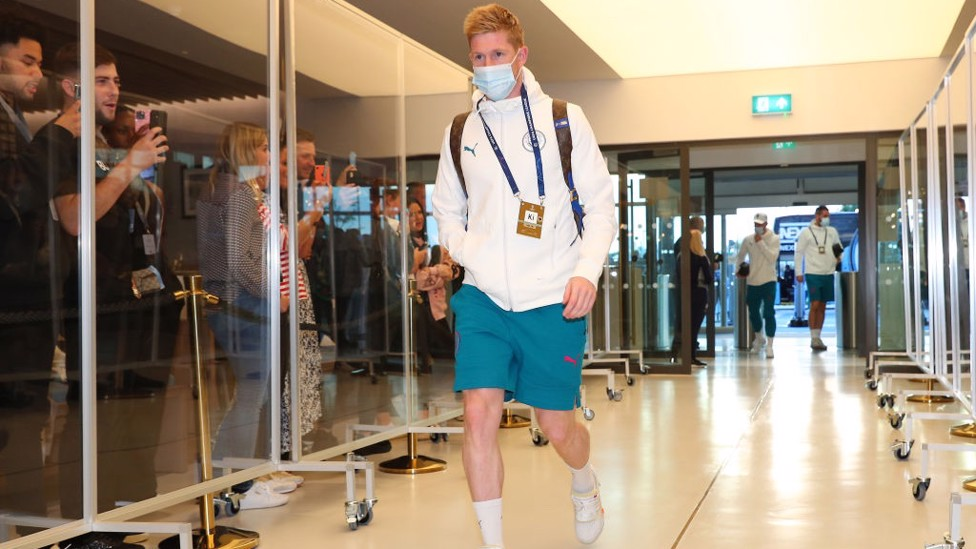 KDBACK : Our Belgian maestro arrives at the Etihad and is named back in the starting XI.