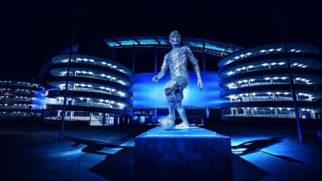 Les statues de Kompany et Silva dévoilées !