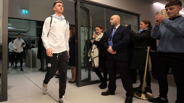 ROCK : Laporte arrives at the stadium and is named in the starting XI after missing three matches.