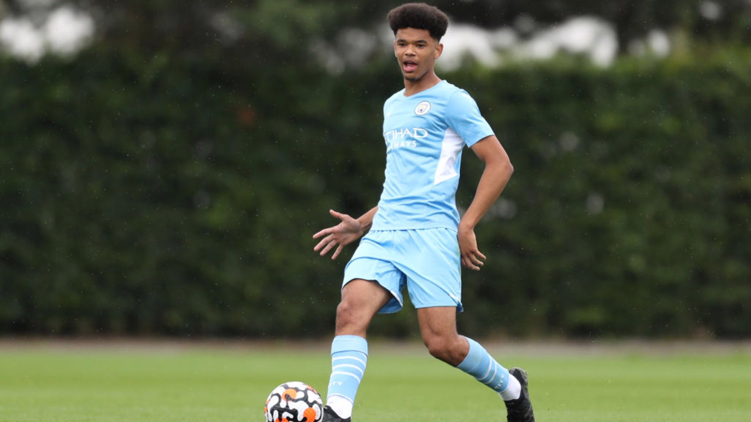 Late Everton goal denies U18s first away win