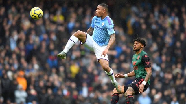 FLYING LEAP : Gabriel Jesus reaches new heights