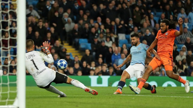 SO CLOSE : Sergio Aguero almost finds the target