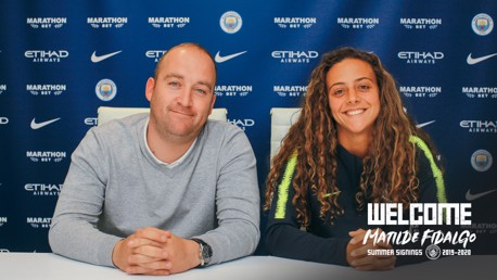 PEN TO PAPER: Matilde Fidalgo signs for City!
