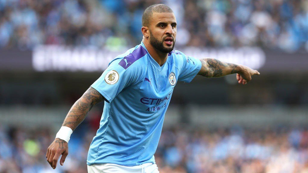 LEADER_Kyle Walker issues instructions early on_