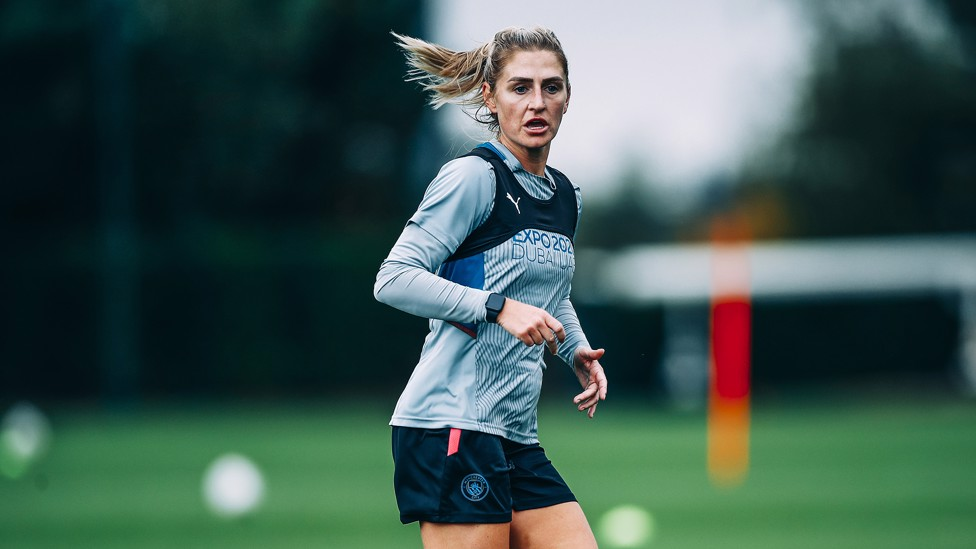 MIDFIELD DYNAMO : Laura Coombs keeps her eye on the prize