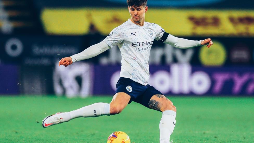BENTENG STONES: John menjadi bintang saat City mempertahankan rekor clean sheet keenam berturut-turut yang menyamai rekor Klub dalam kemenangan 2-0 atas Burnley.