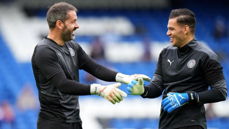 Carson tests Ederson with goalkeeper quiz!
