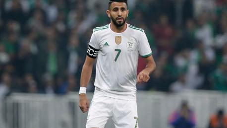القائد محرز مع الجزائر