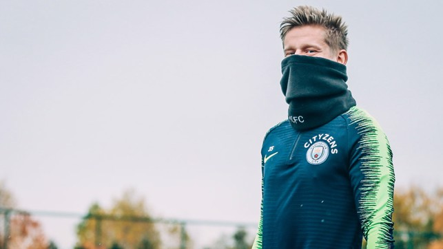 THE EYES HAVE IT : Oleks Zinchenko spots the camera