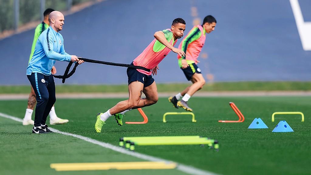 City X Spurs: Zinchenko recuperado, diz Guardiola