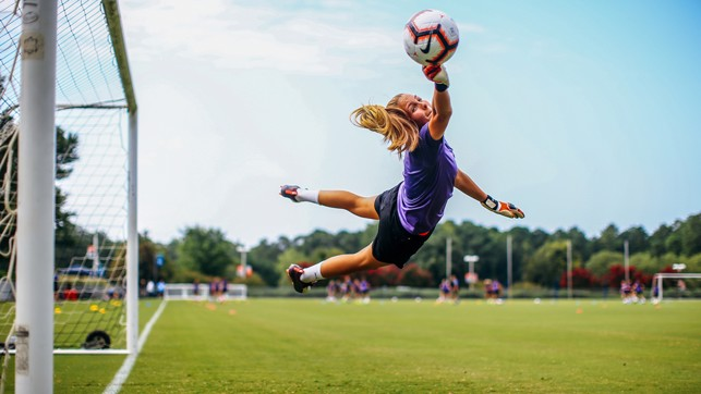 SHE'S A 'KEEPER : Ellie Roebuck with an excellent stop, at full stretch