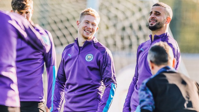 CRACKING A JOKE : Something's tickled Kevin De Bruyne