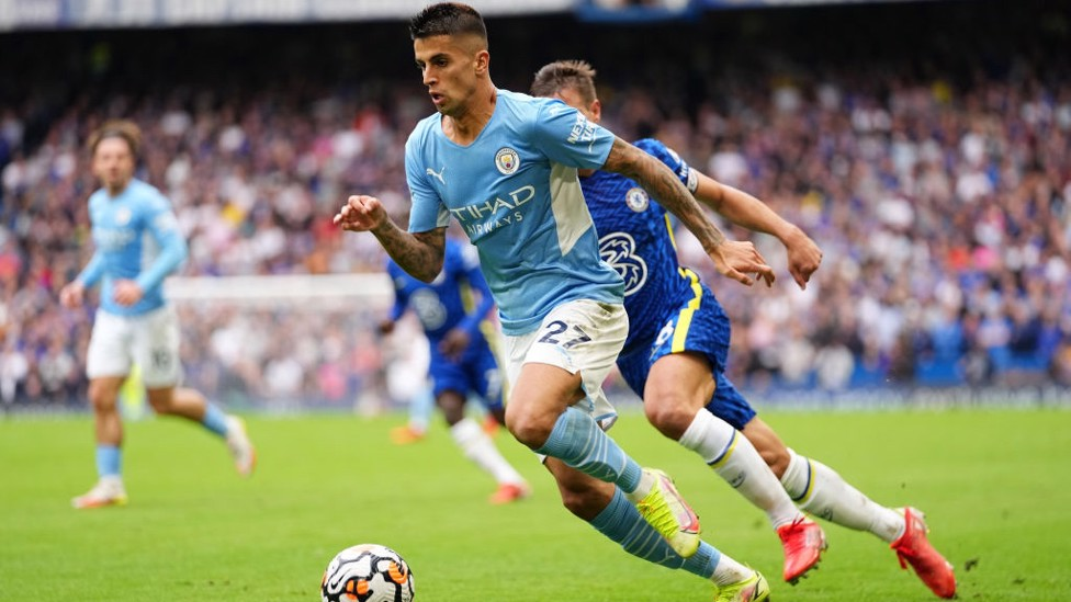 WOW JOAO : Cancelo drives City forward on the hunt for a second goal.